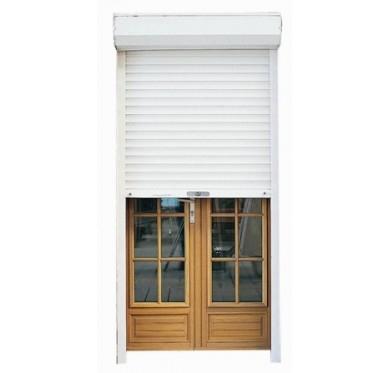 Un volet devant la porte d'entrée, comment l'installer ?